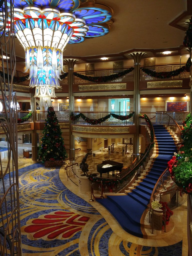 atrium disney dream cruise ship
