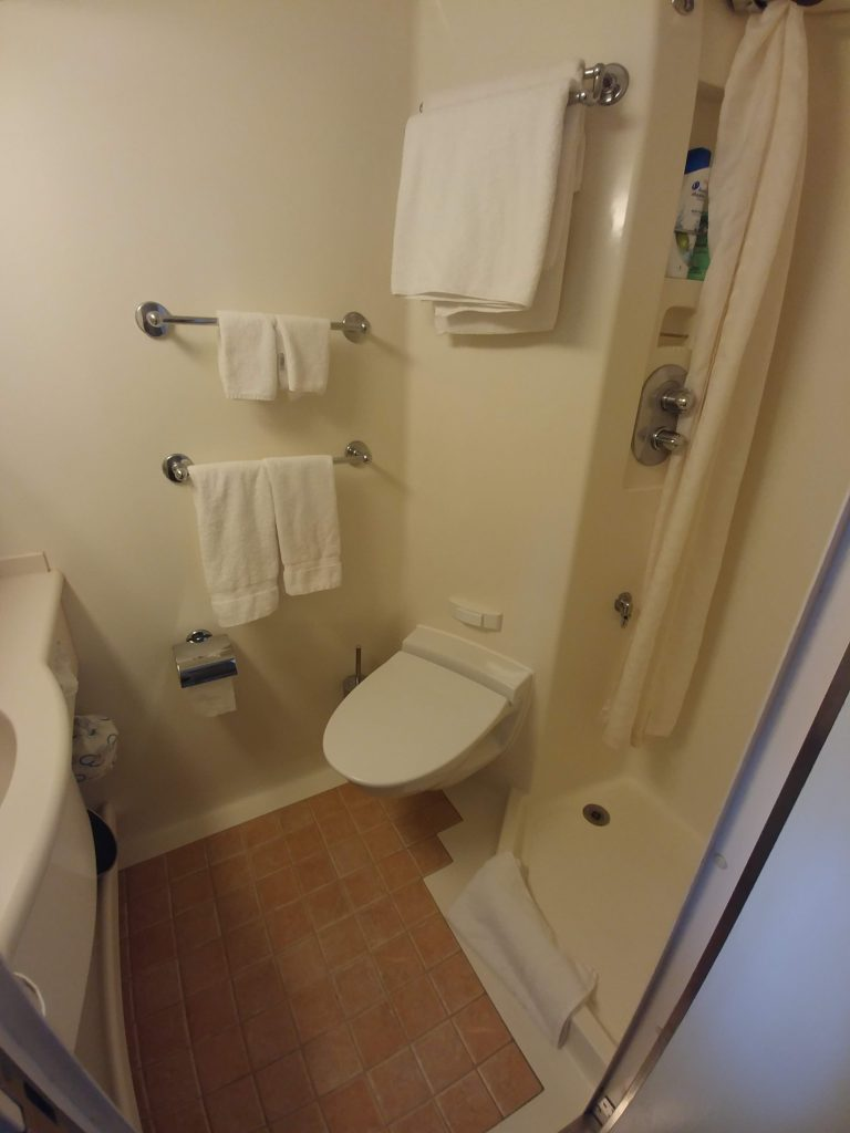 bathroom officer cabin
